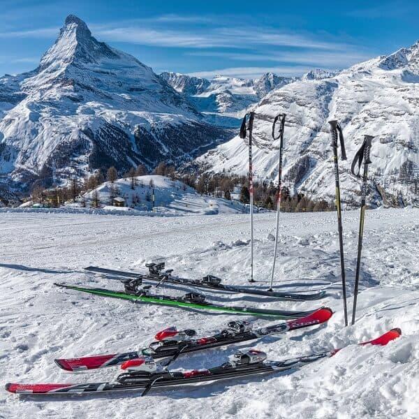 Palos de senderismo y esquí